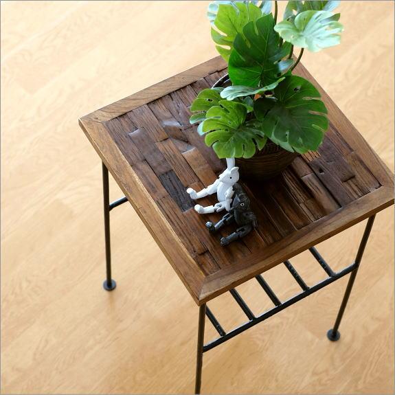 サイドテーブル 木製 おしゃれ アンティーク 棚付き 花台 アイアンとウッドの組み木テーブル【送料無料】
