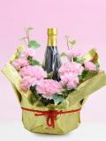 母の日ピンクのカーネーション花束ラッピング名前・メッセージ入りラベル酒 720