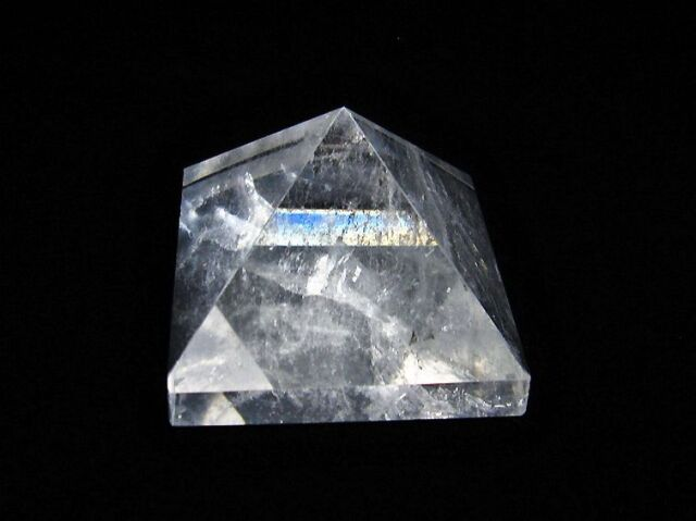 ヒマラヤ水晶ピラミッド