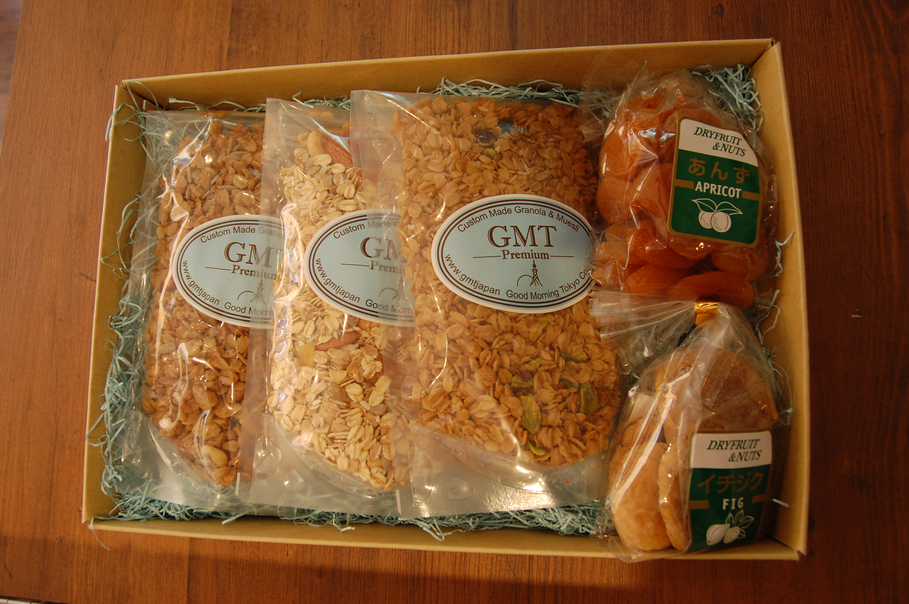ギフトセット * Gift Set (3 Bags of Granola or Muesli and Dried Fruit)