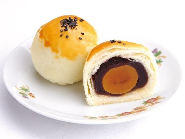 CH-06 蛋黄豆沙酥  塩卵黄身1ケ入り黒あんパイ