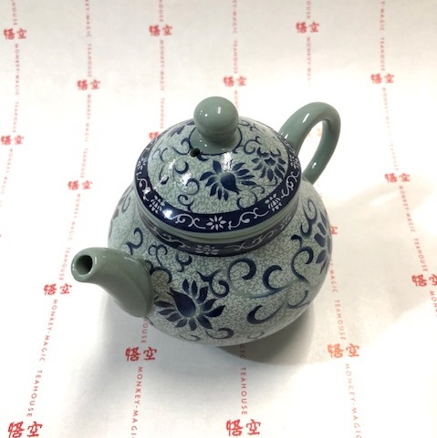 ★YK18-7 青磁つる花 茶壷