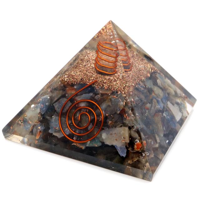 サファイア 使用 水晶単結晶入り オルゴナイトピラミッド 大人気スピリチュアルグッズ 幅約65-70mm前後