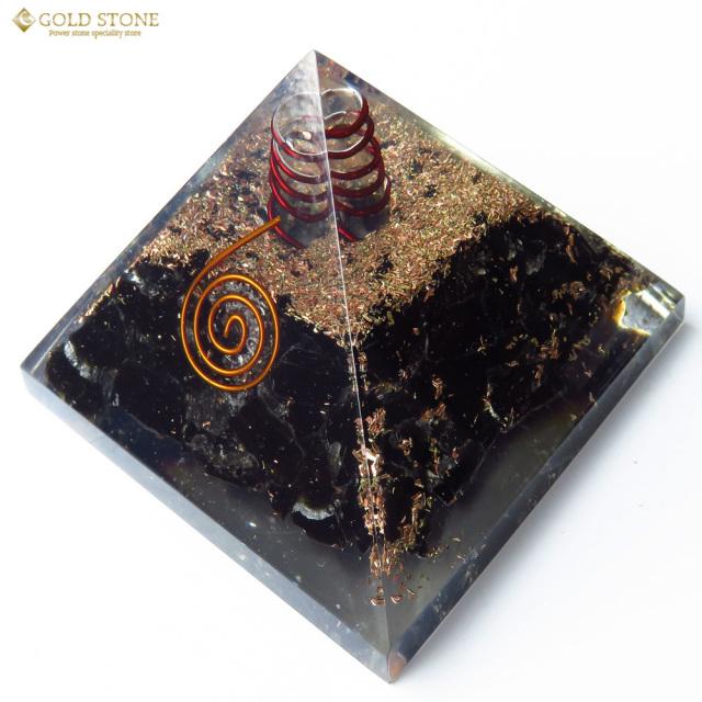 オニキス使用 水晶単結晶入り オルゴナイトピラミッド 大人気スピリチュアルグッズ 幅約65-70mm前後