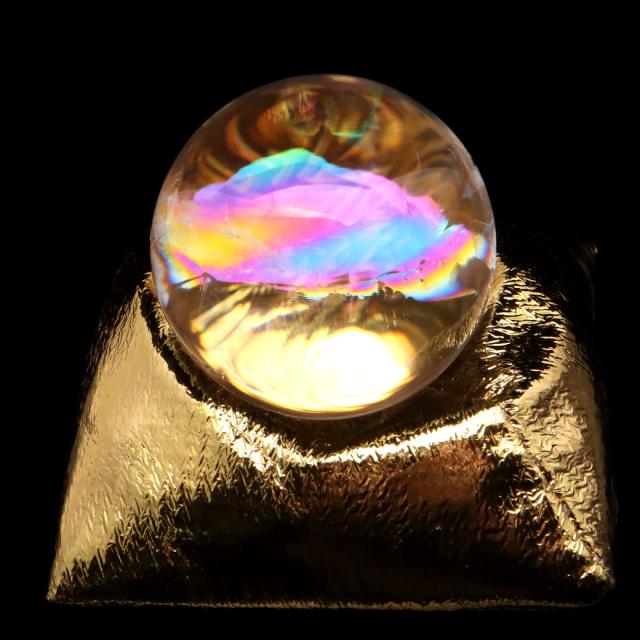 アイリスクォーツ 丸玉 水晶 虹入り AAA 天然 直径約42mm 座布団付き レインボー パワーストーン 天然石