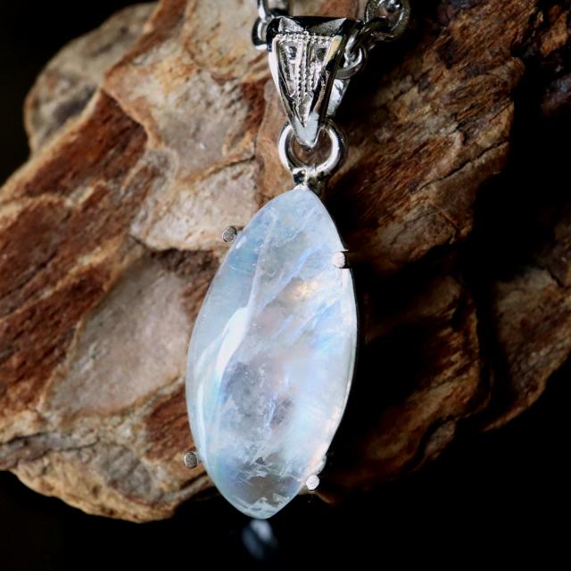 レインボー ムーンストーン ネックレス 6月 誕生石 天然石 ペンダント Siver925