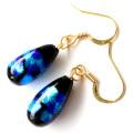光る ホタルガラス しずく ピアス 両耳用 雫 ドロップ型  とんぼ石 青色 ブルー 沖縄 お土産