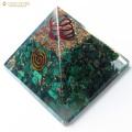 マラカイト使用 水晶単結晶入り オルゴナイトピラミッド 大人気スピリチュアルグッズ 幅約65-70mm前後