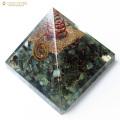 グリーンクォーツ使用 水晶単結晶入り オルゴナイトピラミッド 大人気スピリチュアルグッズ 幅約65-70mm前後