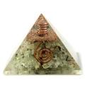 プレナイト使用 水晶単結晶入り オルゴナイトピラミッド 大人気スピリチュアルグッズ 幅約65-70mm前後