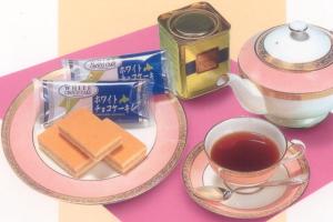 函館・五島軒ホワイトチョコケーキ