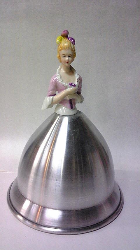 マルキーズ人形とアルミスカート