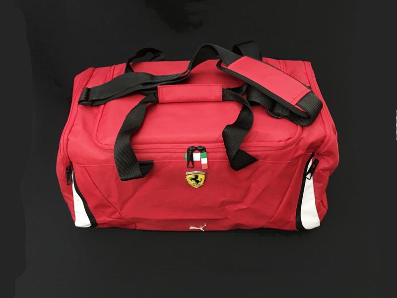 フェラーリ(FERRARI F1) チーム支給品 ボストンバッグ USED(ほぼ新品)