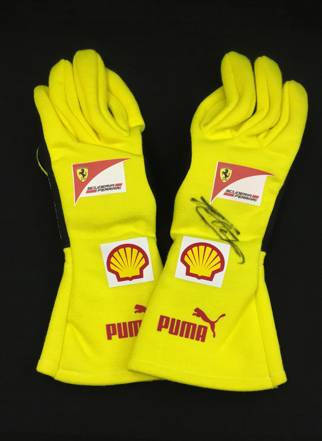 C.ルクレール直筆サイン入 2015 フェラーリ(FERRARI F1) チーム支給品  メカニックグローブ イエロー 新品 サイズ10(M~L)