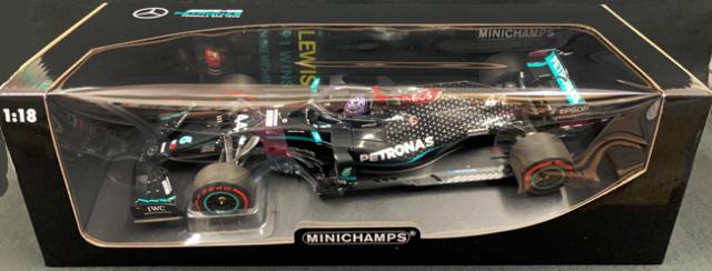 ミニチャンプス 1/18 メルセデス F1 W11 L.ハミルトン アイフェルGP 2020 F-1 91勝目 ピットボード / ヘルメット付き