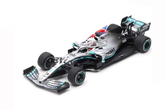 スパーク 1/18 メルセデスW10 L.ハミルトン 2019年イギリスGP優勝  (With flag) No.44