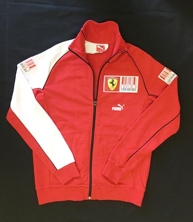 2014 フェラーリ(FERRARI F1)パドッククラブ支給品スエットジャケット USED(ほぼ新品)サイズM(大きめ)
