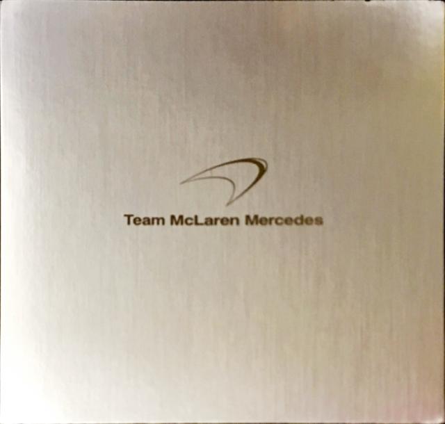 2004 マクラーレン MP4-19 公式プレスキット ドライバー:K.ライコネン&D.クルサード