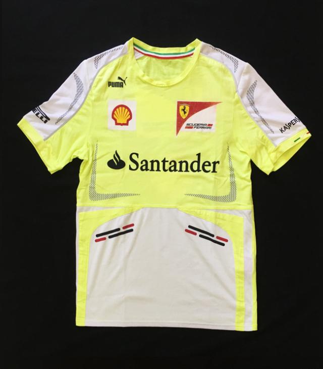 2013 フェラーリ(FERRARI F1) チーム支給品 セットアップTシャツ USED(使用感かなりあります)サイズM(大きめ)