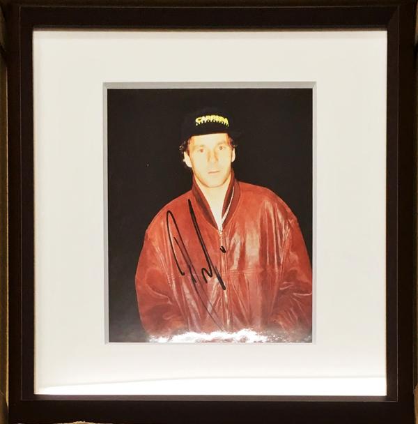 ゲルハルト・ベルガー直筆サイン入 生写真(額装品)※額サイズ:22×22cm