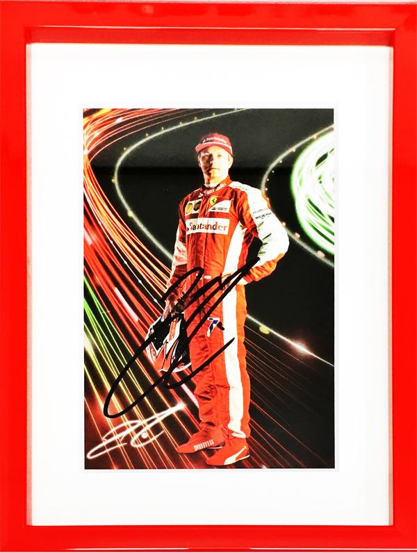 【ドライバーズカードフェアー対象商品】K.ライコネン 直筆サイン入 フェラーリ 2015年ドライバーズカード(額装品)