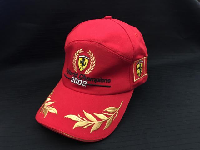 フェラーリ(FERRARI F1) 2002ワールドチャンピオン記念 キャップ