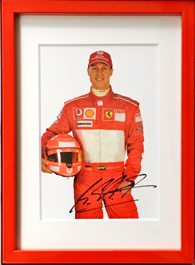 M.シューマッハ 直筆サイン入 フェラーリ 2006 ドライバーズカード(額装品)