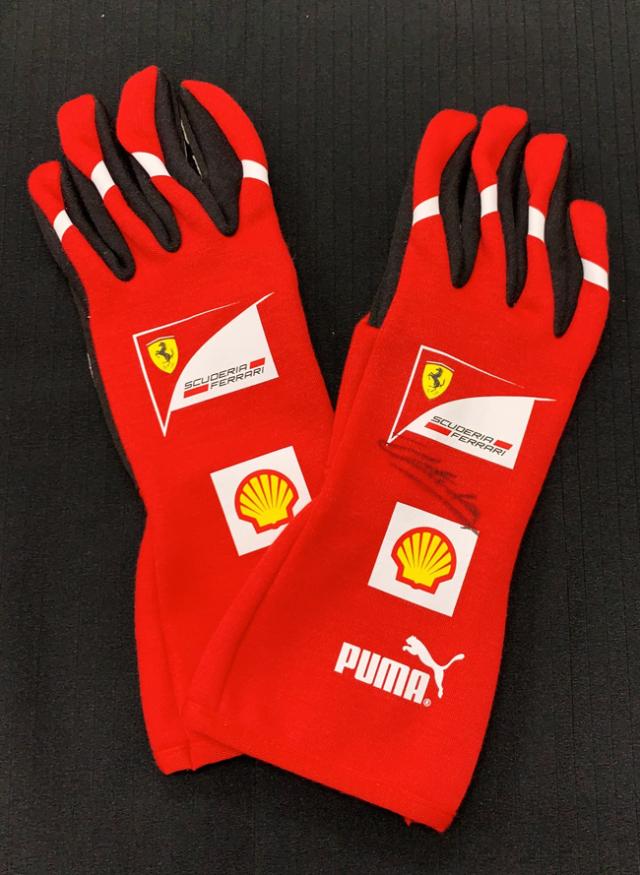 C.ルクレール直筆サイン入 2011 フェラーリ(FERRARI F1) チーム支給品 メカニックグローブ レッド 新品 サイズ11(L~XL)