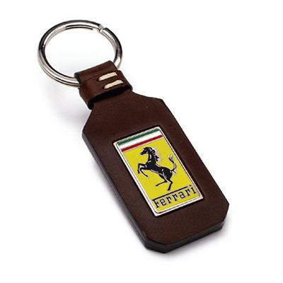 フェラーリストア限定 フェラーリ トレードマーク GTキーホルダー ブラウン