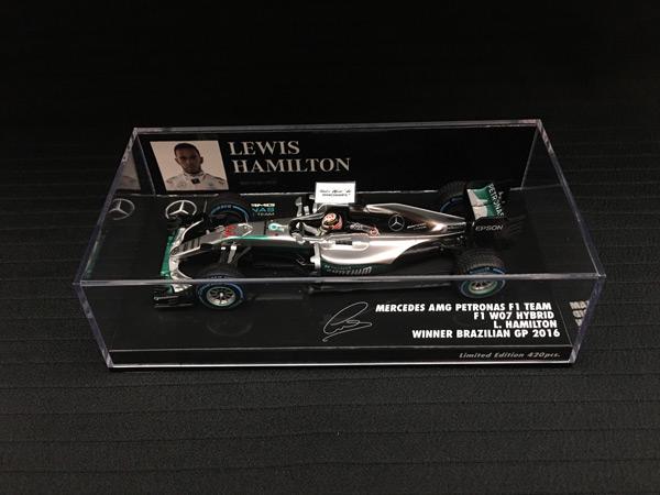 ミニチャンプス 1/43 メルセデス W07 L.ハミルトン 2016年ブラジルGP優勝