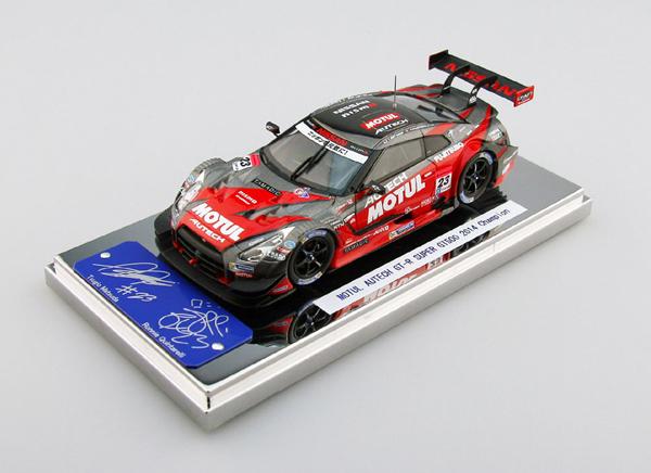 エブロ 1/43 モチュール オーテック GT-R スーパーGT500 松田次生/ロニー・クインタレッリ No.23  2014 年チャンピオンカー