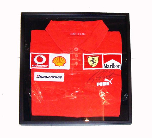 2005 フェラーリ チーム支給品 スタッフ用ポロ サイズS USED M.シューマッハ直筆サイン入り(額装品)