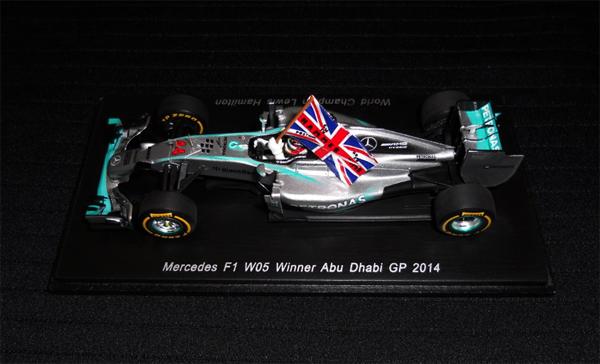 スパーク 1/43 メルセデス W05 L.ハミルトン 2014 F1アブダビGP優勝  NO.44 当店オリジナルフラッグデカール貼付モデル