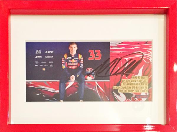 2015 トロロッソ STR10 M.フェルスタッペン 直筆サイン入り ドライバーズカード(額装品・レッド)
