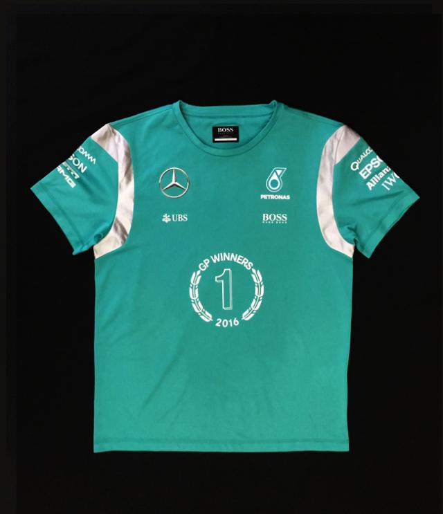 2016 メルセデスF1 チーム支給品 ウイナーTシャツ HUBOBOSS製 USED サイズM(大き目)