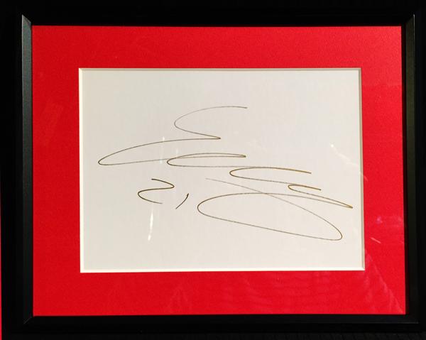 2015 フェラーリ E.グティエレス 直筆サイン入り色紙(額装品)