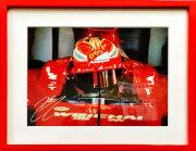 【祝F1 300GPプレゼント企画】K.ライコネン直筆サイン入 2016年フェラーリフォト(額装品)