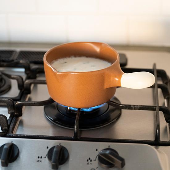 陶器のミルクパン