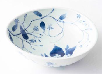 草花文様の楕円鉢
