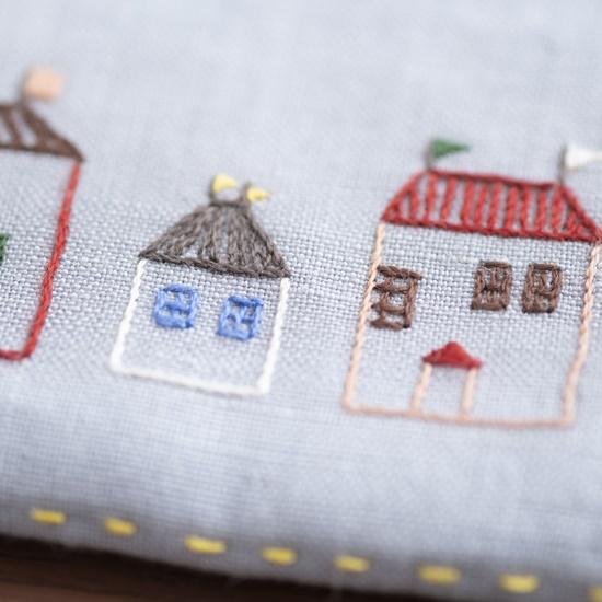 花森安治の刺繍キット メガネポーチ