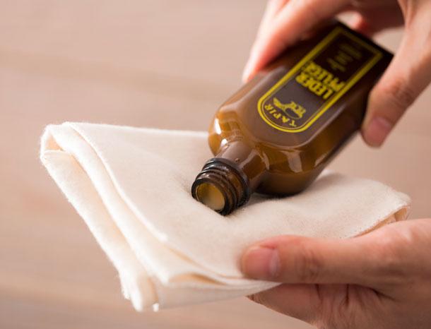 皮革用ワックス乳液タイプ