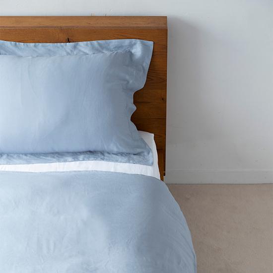 リネンの寝具  ブルー