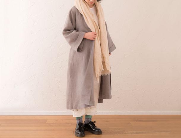 リネンのローブコート