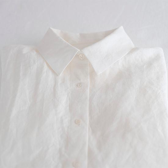 角えりのリネンシャツ