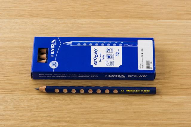 リラ社のグルーヴ鉛筆12本入り
