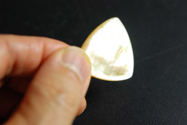 黄蝶貝 三角型 2.0mm厚