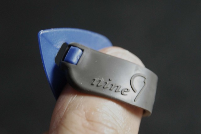 TAB TE127 MBLxGY ミディアム 親指用 ゴムベルト式 日米特許