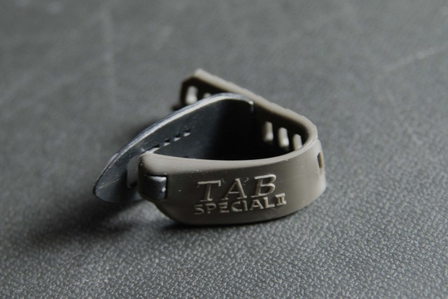 TAB TP114 MBKxGY ハード 親指用 ゴムベルト式 日米特許
