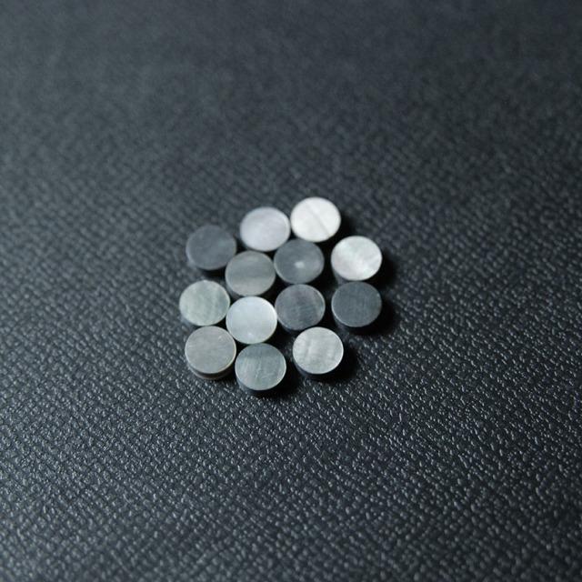 丸5mm 黒蝶貝 12個セット 厚さ2mm 装飾用 アクセント