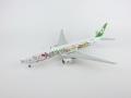 hogan wings 1/500 777-300ER エバー航空 ハローキティ ハンドインハンド B-16703